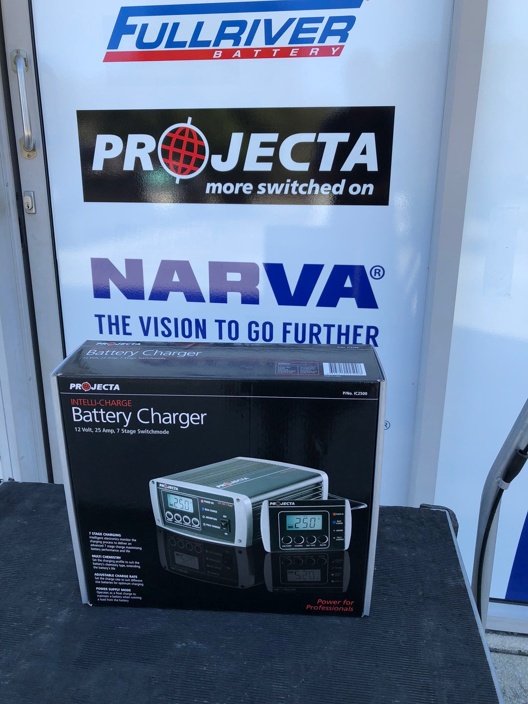 ic2500 projecta intelli charge battery charger
