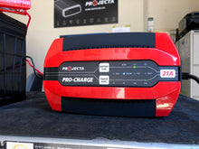 PC2100 Projecta pro-charge 21amp 12v battery charger in action