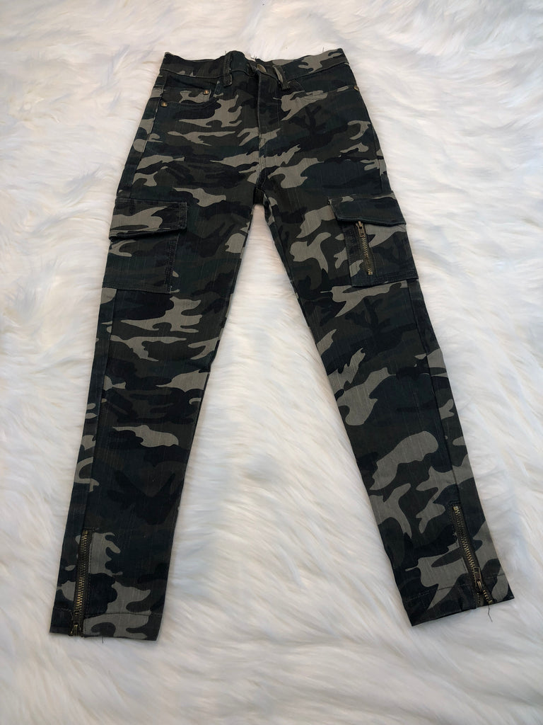 Camo Print Jeggings with Pockets