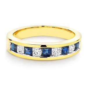 Saphire and Cubic Zirconia Wedding Ring In 1.00 Carat Total Weight.