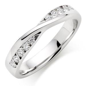 Wedding Ring With Round Stones In 1.00 Carat Total Weight.