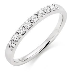 Wedding Ring Prong Setting With Round Stones In 1.00 Carat Total Weight.