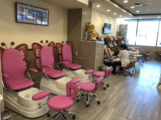 The 5 Best Nail Salon Pedicure Chairs 2021