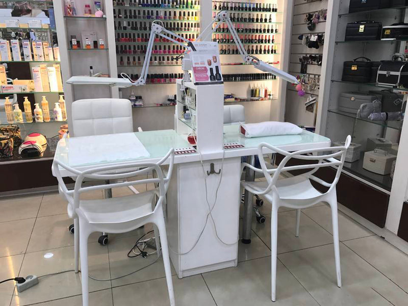 Best Table Lamp for Nail Salon