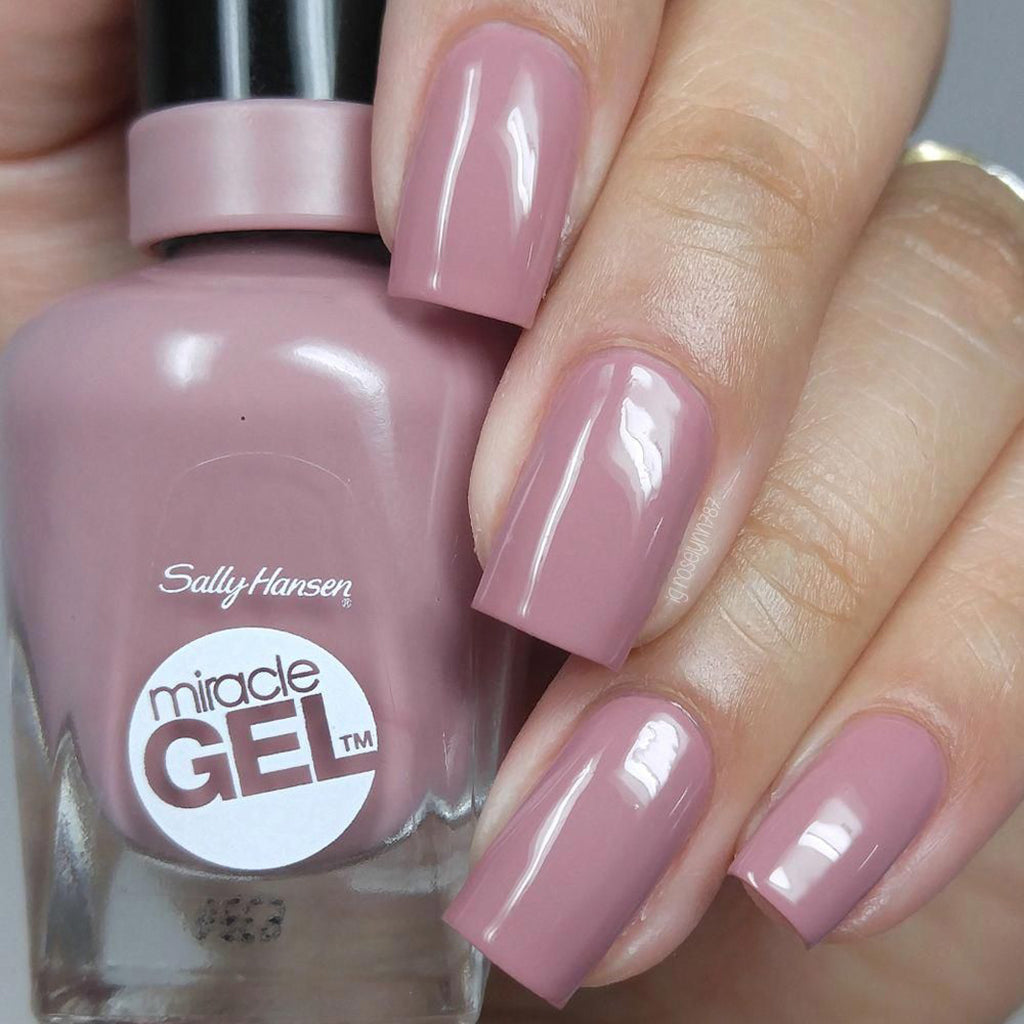 Sally Hansen Mega Strength Nail Color in Boss Gloss