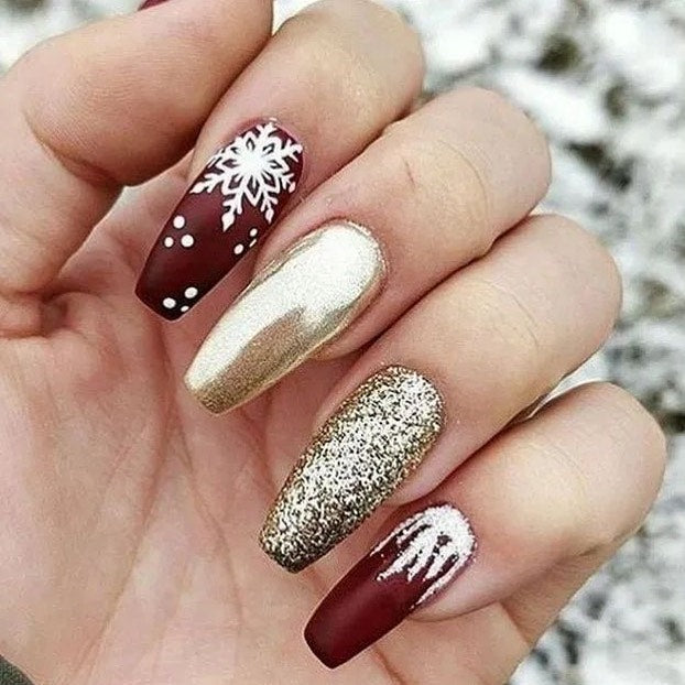 NAIL ART DESIGN: Mismatched Christmas