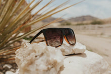 Load image into Gallery viewer, Ignite Sunglasses in Black/Tortoise
