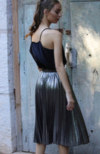 Load image into Gallery viewer, Metallic Pleated Midi Skirt