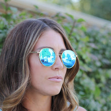 Load image into Gallery viewer, Roam Sunglasses in Blue