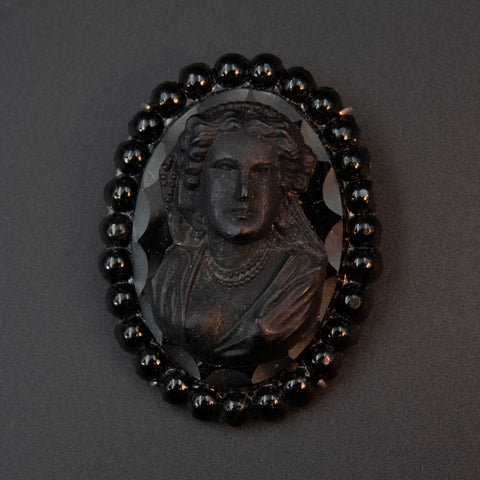 Victorian Pressed Glass Brooch Cameo
