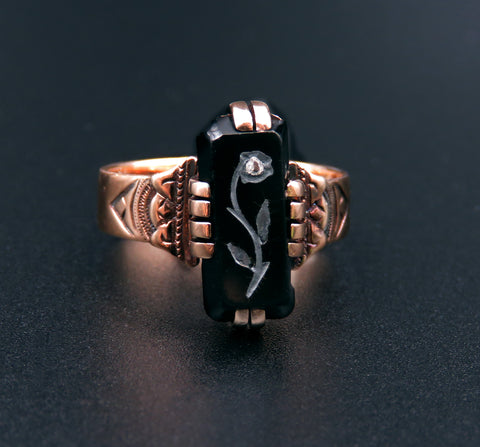 Onyx Flower Intaglio Ring in 14k Yellow Gold