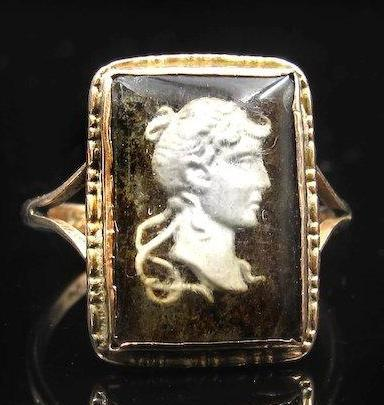 Reverse Intaglio En-Grisaille Glass Cameo Ring