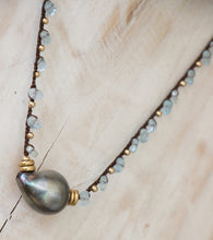 Blue topaz single pearl necklace