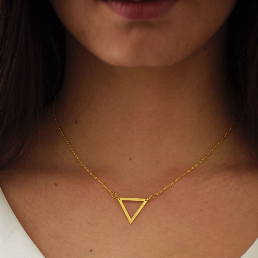 Collar de Triangulo Oro