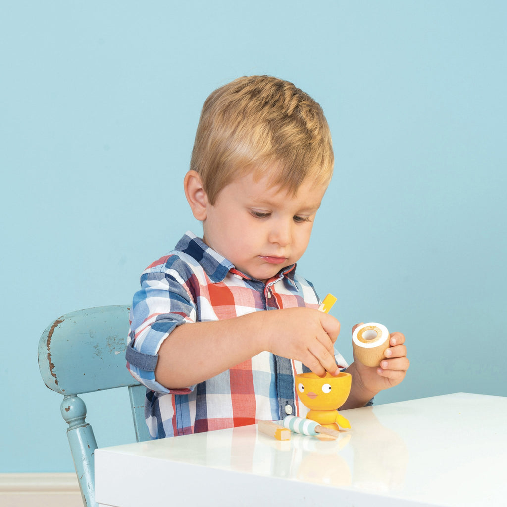"Egg Cup Set ""Chicky Chicky"""