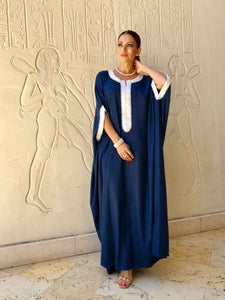 Kaftan with trimmed neckline gives elegant look. Loose fit.