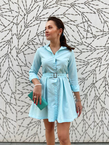 Mini dress, maximum style. Cotton shirt dress with removable belt. Buttoned.