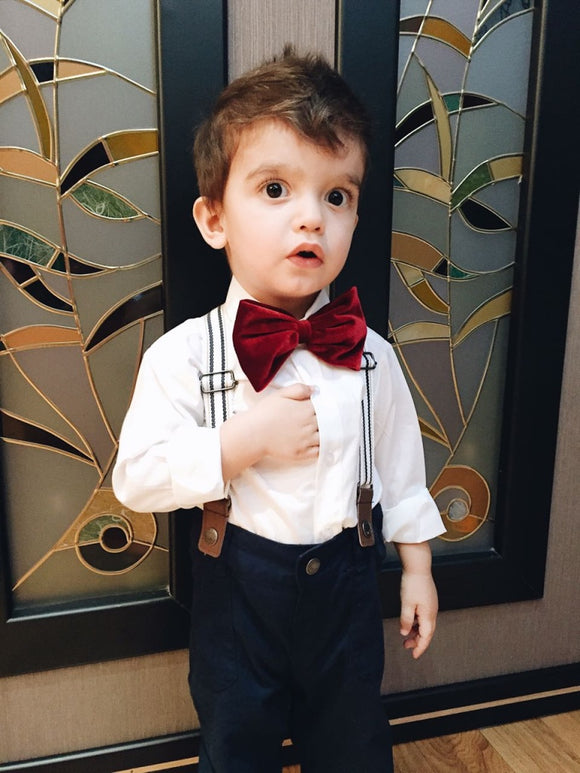 Baby boy shirt with separate bow tie