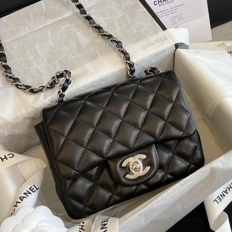 Chanel Mini Flap Bag方胖子 - A35200 * £3070