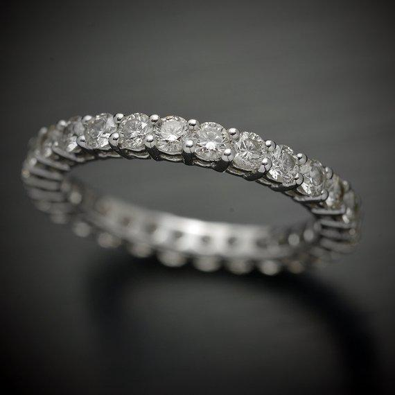 Round Shared Prong Diamond Eternity Band