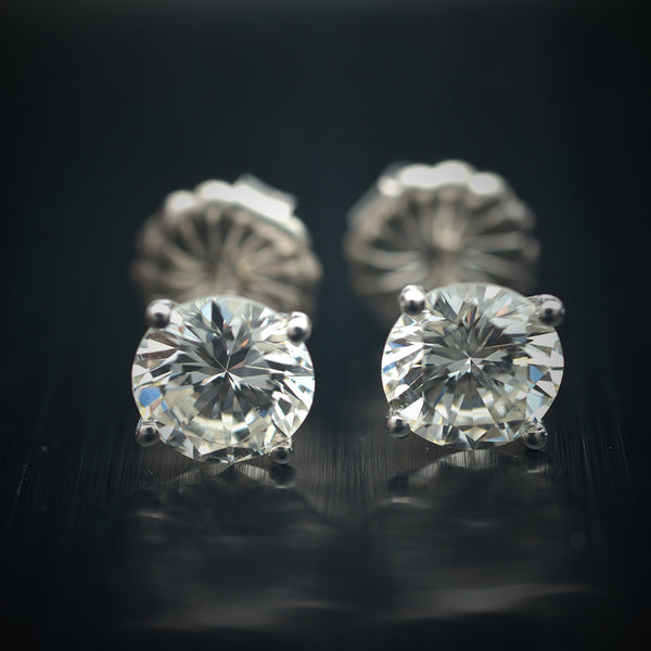 1.01 Carat Natural Round Diamond Stud Earrings
