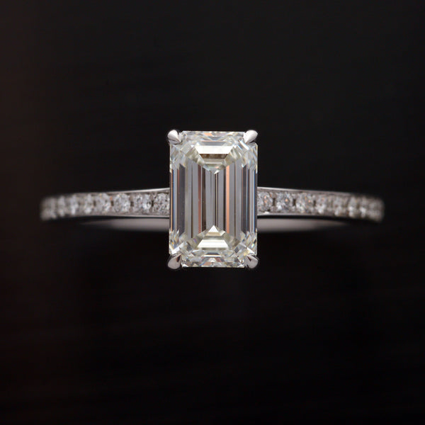 18 Karat white gold Emerald Cut Engagement ring with 1.35 carats