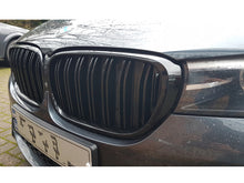 Load image into Gallery viewer, BMW G11 G12 7 Series Kidney Grilles Gloss Black New Twin Bar Design
