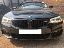 Load image into Gallery viewer, BMW 5 Series G30 Twin Bar Gloss Black Grilles M5 Style