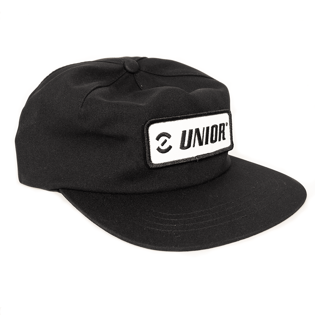 Single-panel Strap-back hat in black with Unior patch on the front