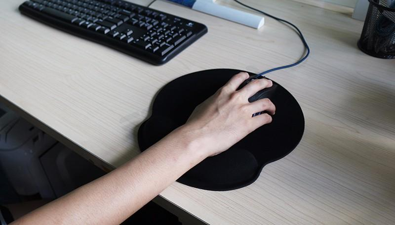 Build-in Soft Sponge Gaming Mouse Pad - Get It Gamer