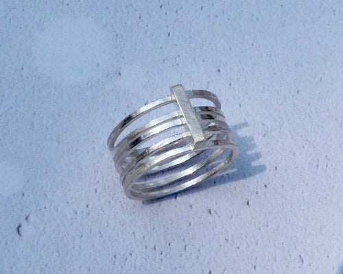 Linear stacked ring