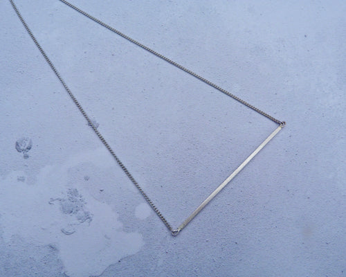 Linear long bar necklace