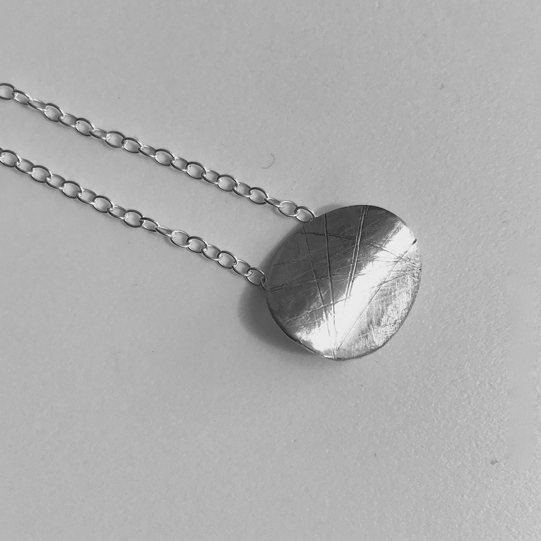 Reflect pendant and chain