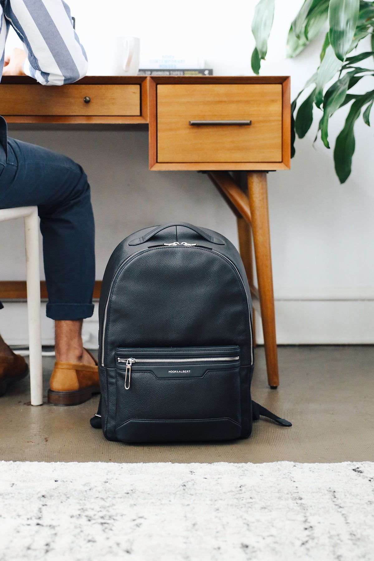 shop THE LEATHER BACKPACK