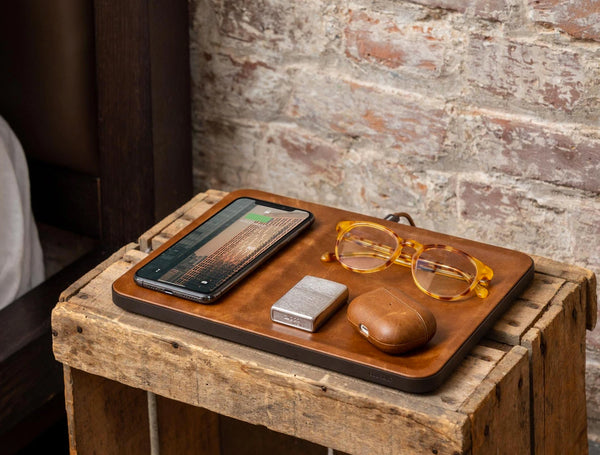 Wireless Charging Valet - Saddle