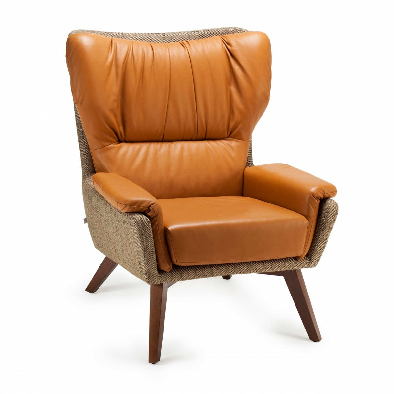 Closer Armchair