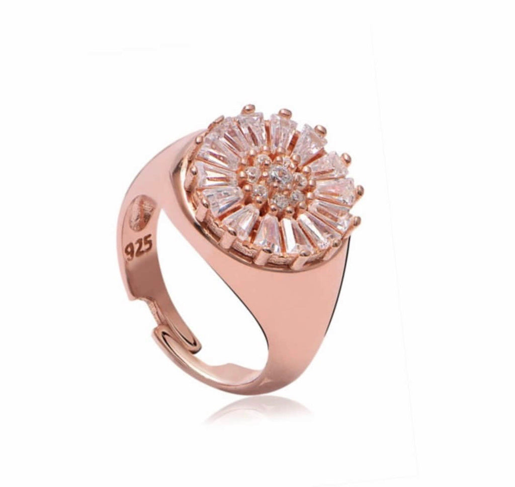 ROUND BAGUETTE FLOWER RING