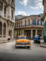 Orange Ford Habana