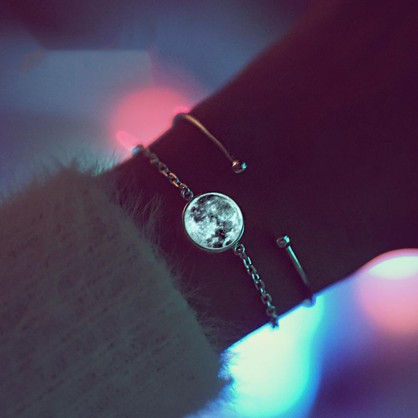 Blue Moon Bracelet (Glow in the Dark)