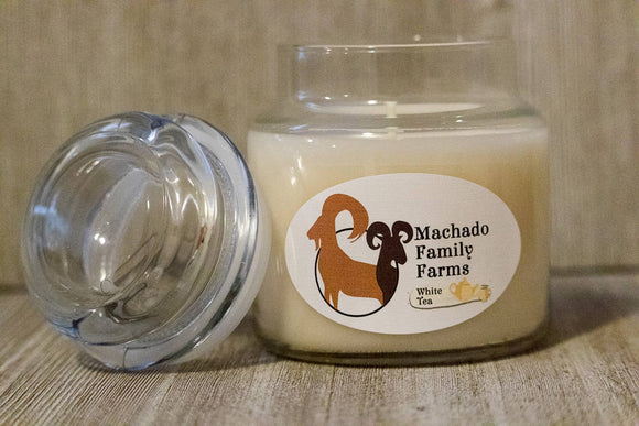 White Tea 14oz Candle with Lid - Machado Family Farm