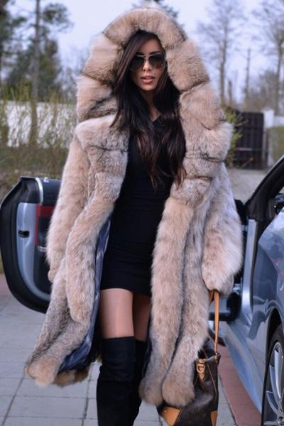 Fashion and Warm Faux Fur Coat