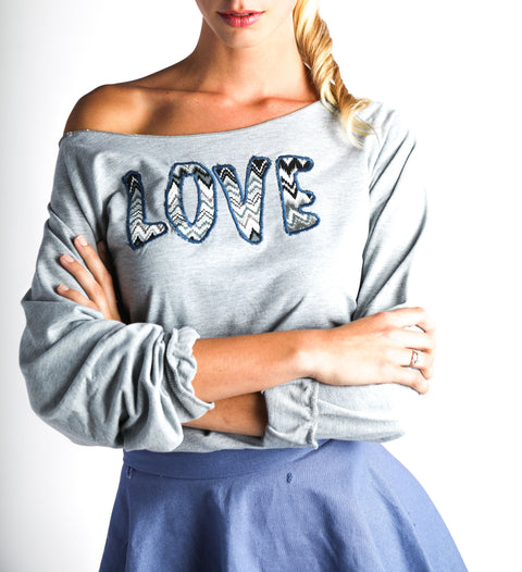 Scoop Neck Love Sweatshirt | WOMEN