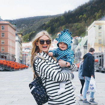 Barefoot Blonde spotted in Norway with Ju-Ju-Be