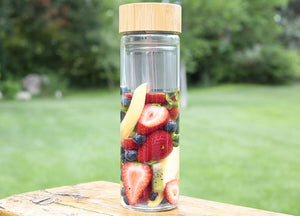 ORIGIN Fruit and Tea Infuser Borosilicate Glass Water Bottle with Neoprene Sleeve and Bamboo Lid, Double Mesh Filter, Travel Tumbler 20oz