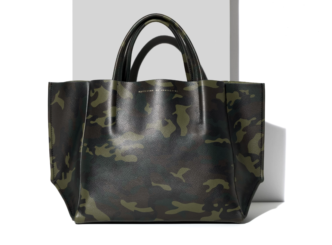 Ampersand as Apostrophe Half Tote - Camo Green