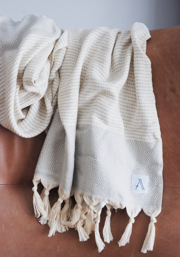Amante Magis Diamond Turkish Towel / Throw Blanket - Light Gray Bedding and Bath Amante Marketplace