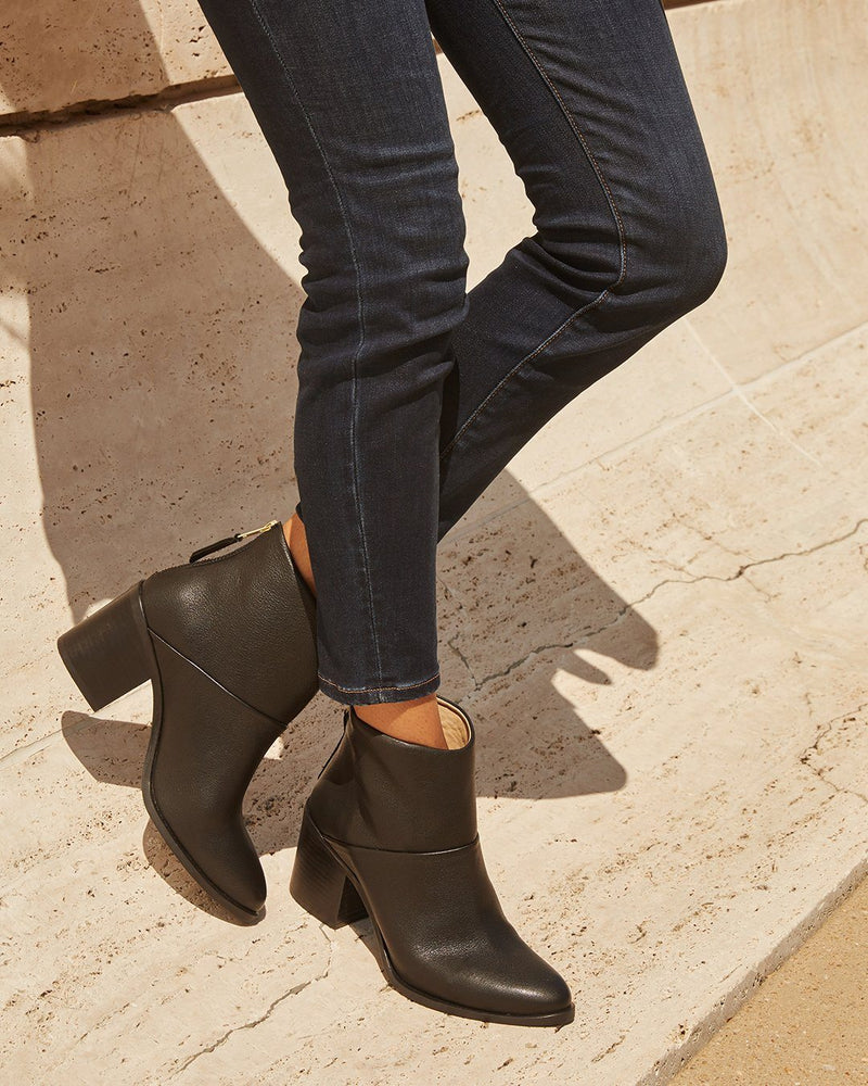 Dari Boot - Black Women's Shoes Nisolo