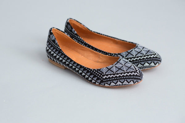 Darzah The Tatreez Flat in Gray Darzah