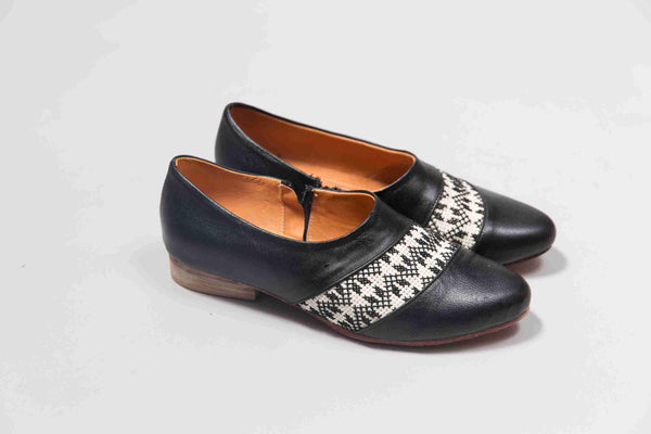 Darzah The Tatreez Oxford in Black Darzah