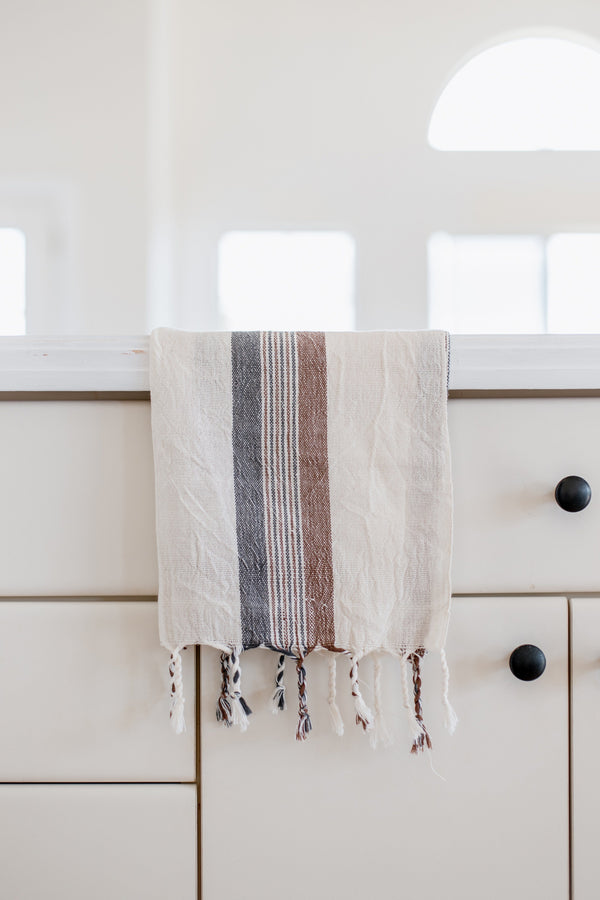 Home & Loft Brown/Cream Hudson Hand Towel Hand Towel Home & Loft